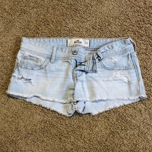 Hollister denim shorts. Super cute